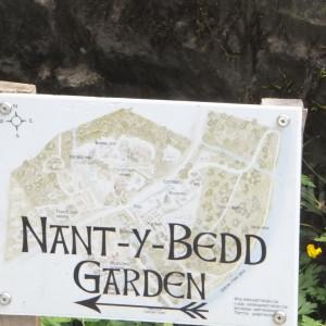 signage to garden